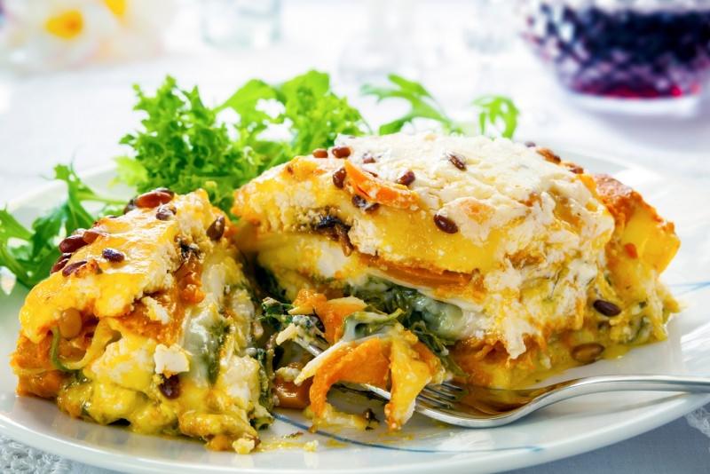 lasagne vegetariane primo piatto pronto in tavola pasqua