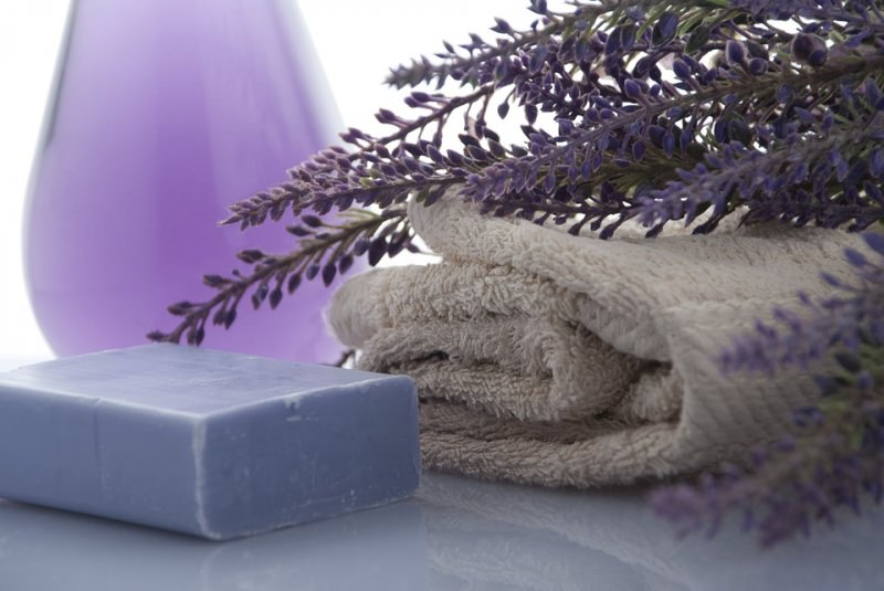 fiori lavanda sapone spugna