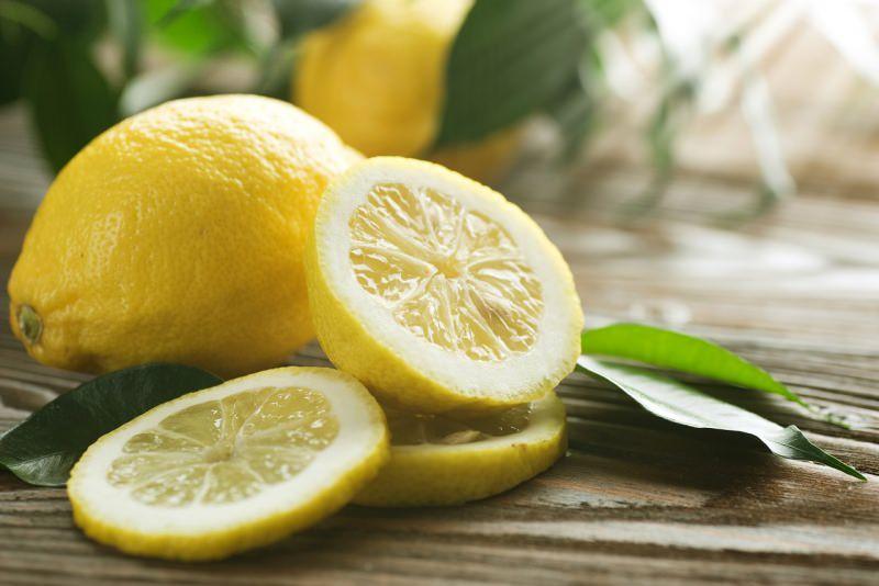 limone fette foglie