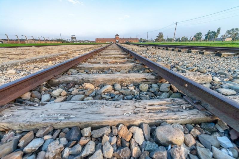 linea ferroviaria ingresso campo di sterminio di Auschwitz-Birkenau