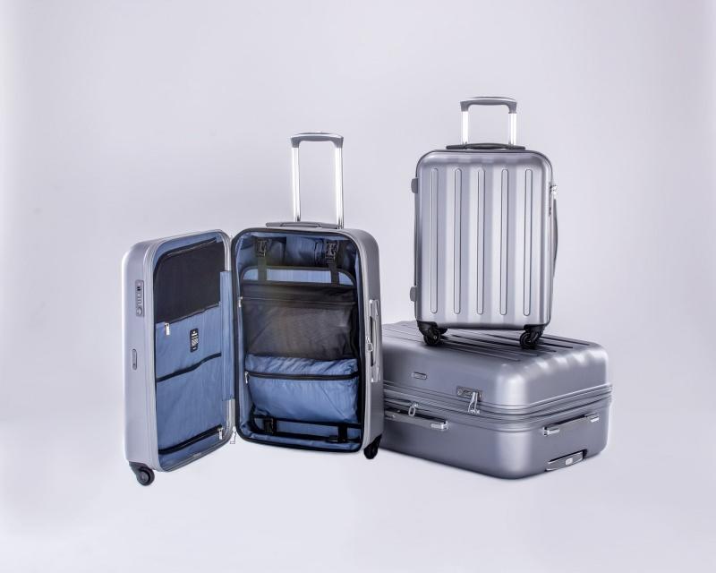 Un trolley grande: il compagno ideale per i lunghi viaggi metal bagaglio aperto varie misure