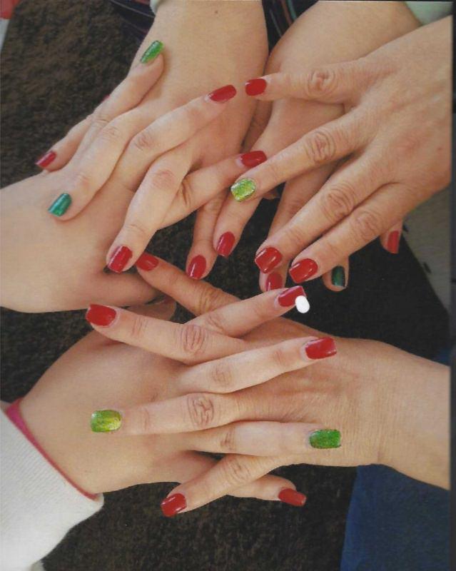 manicure multicolore mani smalto