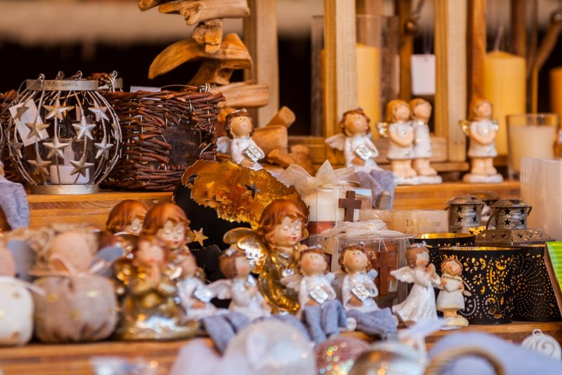 angeli decorazioni natalizie bancarelle mercatino di natale trentino alto adige