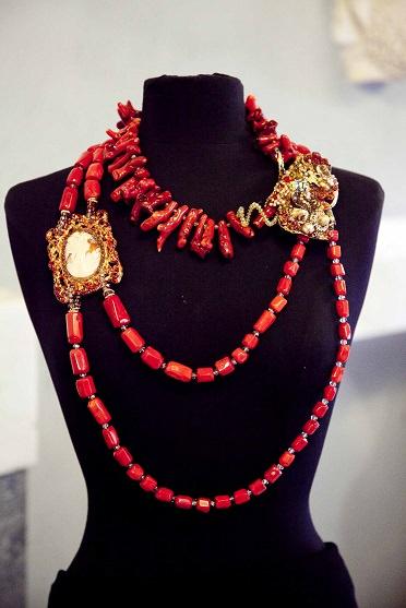 Marina Corazziari a ALTAROMA Gioielli Scultura - Unique Jewels handmade collana
