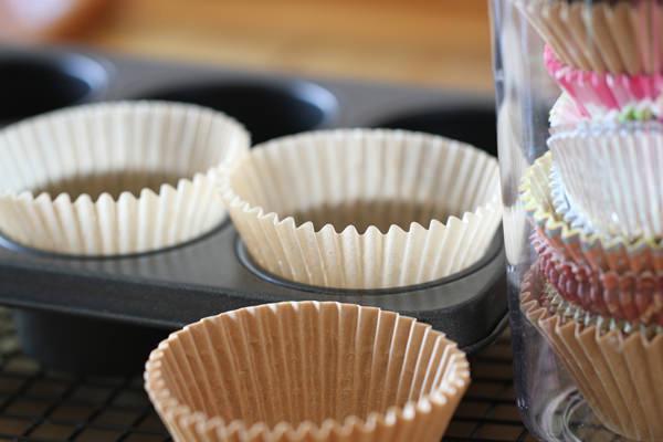 Muffin con gocce di cioccolato pirottini carta pirofila barattolo vetro