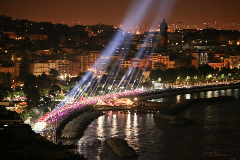 golfo di Napoli sera luci