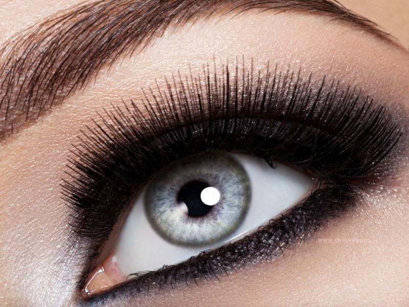 occhio grigio trucco makeup nero mascara