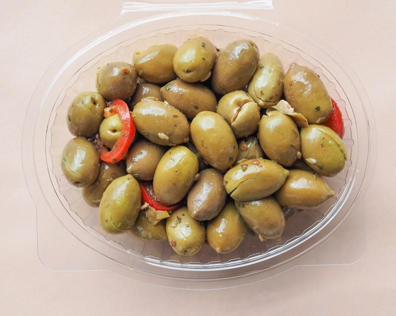olive verdi schiacciate e condite alivi cunzati siciliane