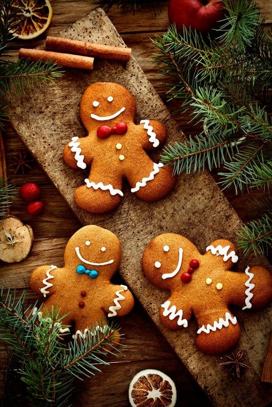 gingerbread men biscotti di pan di zenzero natalizi omini