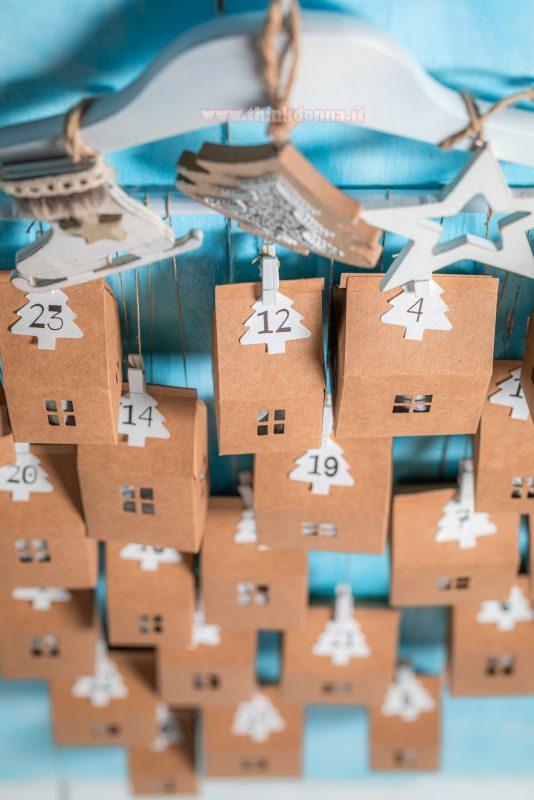 calendario avvento casette gruccia decorazione natalizia
