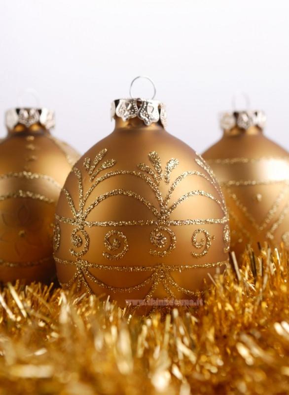 palline dorate di natale oro decorato rilievo