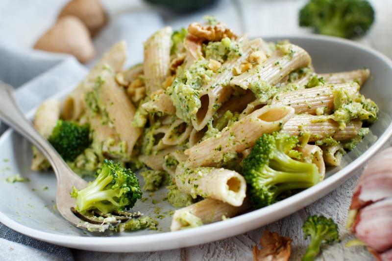primopiatto pronto pasta penne integrali con crema di broccoli noci aglio