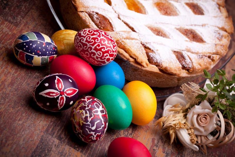 pastiera napoletana uova pasqua dipinte colori