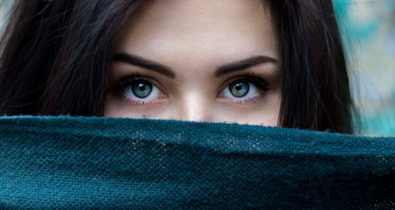 sguardo occhi verdi azzurri viso donna
