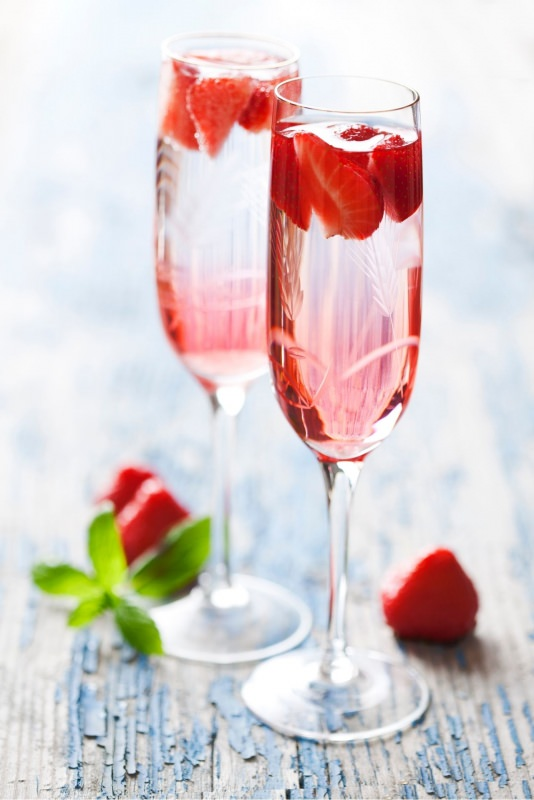pink cocktail champagne rosa fragole