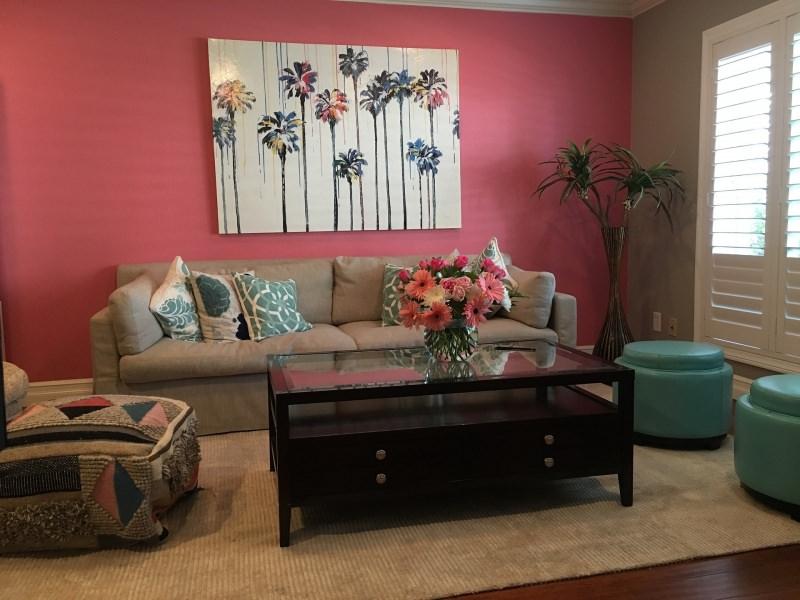 È primavera, cambia colore in casa! Spazio al rinnovo living coral colore pantone 2019 soggiorno