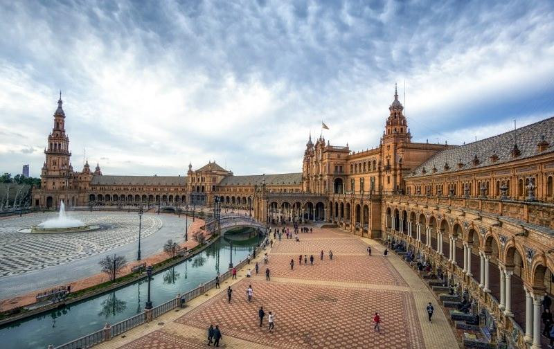 Plaza de España di Siviglia canale acqua fontana piazza