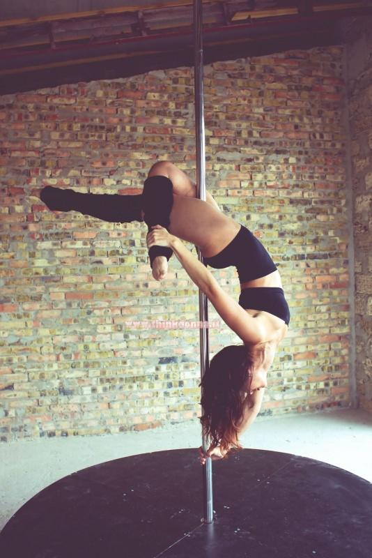 pole dancer ballerina palo