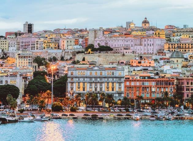 Porto Cagliari mare Sardegna