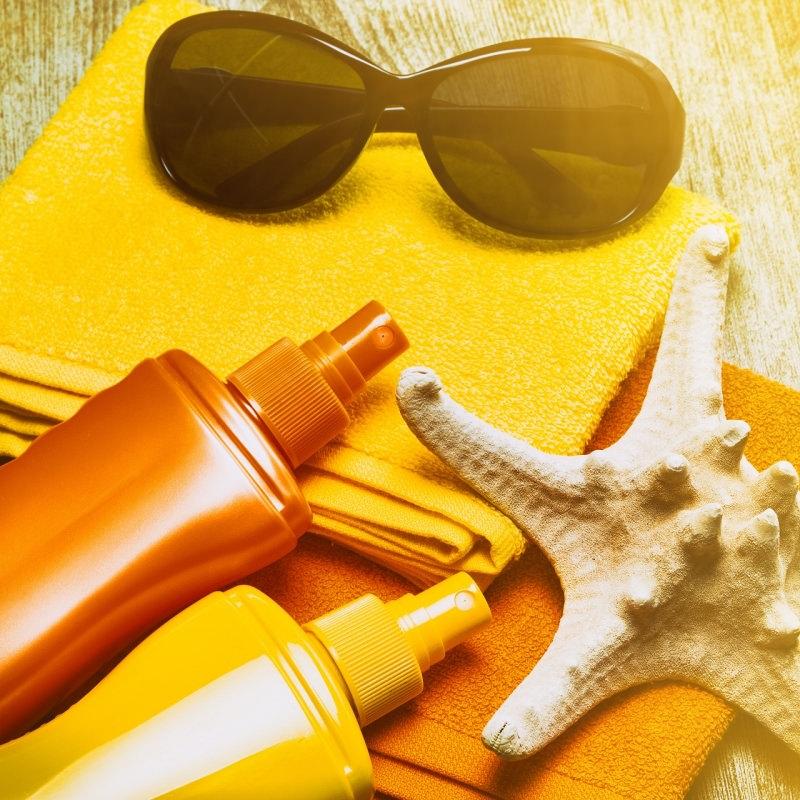 occhiali da sole spugne colorate protezione solare stella marina