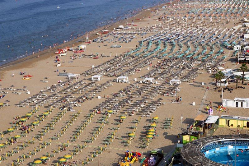 Rimini spiaggia riviera Romagna mare adriatico
