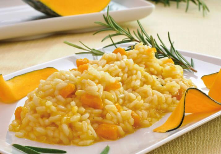 Come fare risotto cremoso alla zucca piatto pronto rosmarino
