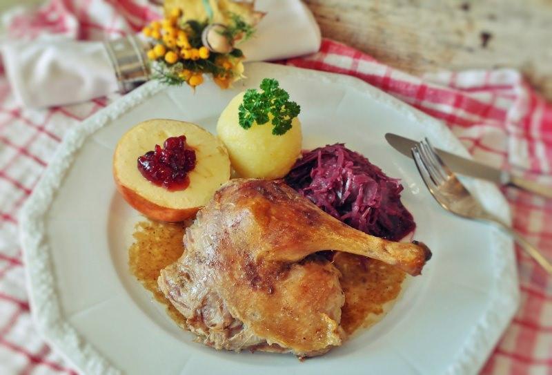 Ricetta | Secondi di Natale | Arrosto Anatra Ripiena al Forno piatto pronto contorno patate