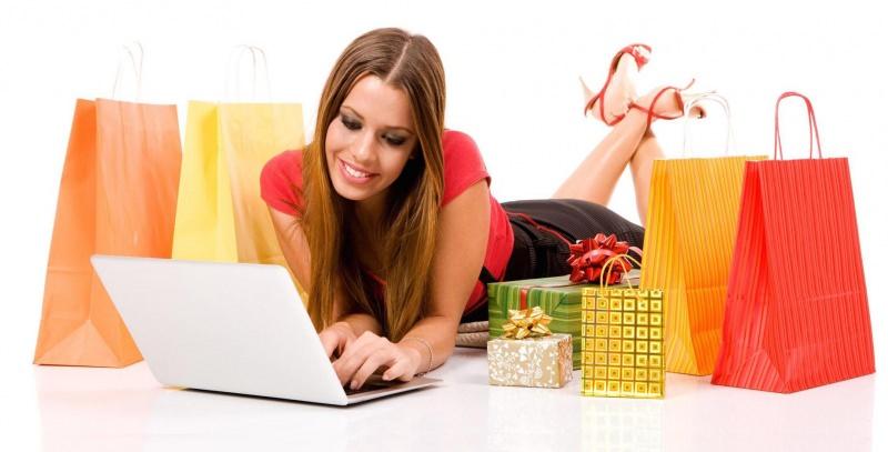 Saldi: 9 consigli per pianificare il tuo shopping online acquisti shopper borse donna notebook