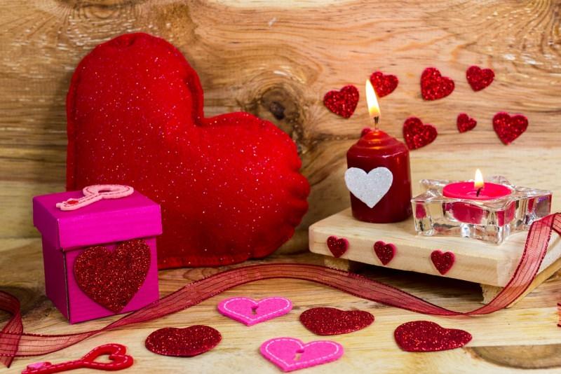 festa di san valentino cuore candela regalo