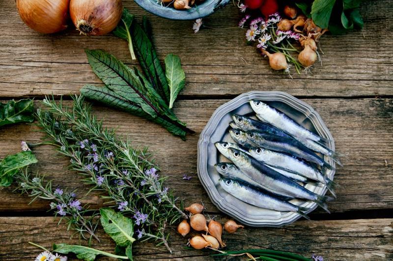 sardine fresche cipolle rosmarino
