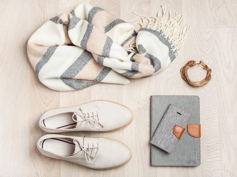 scarpa donna modello francesina derby scialle porta tablet smartphone bracciale
