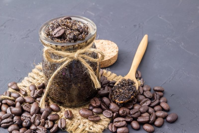 scrub chicchi caffè barattolo vetro cucchiaio legno iuta
