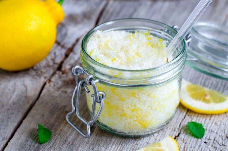 scrub fatto in casa limone sale barattolo