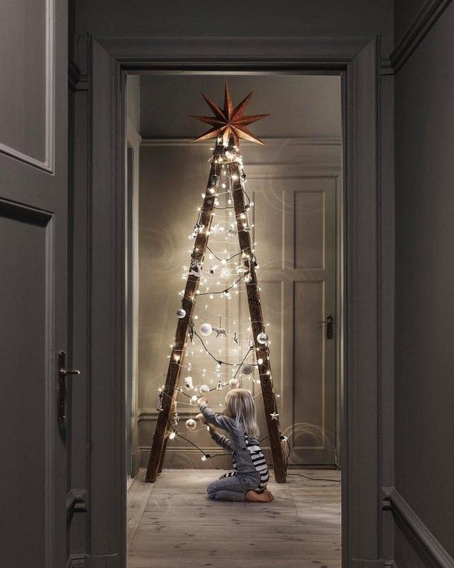 Albero di Natale in stile scandinavo | Decorazioni natalizie nordiche scal luci led stella bambina capelli biondi