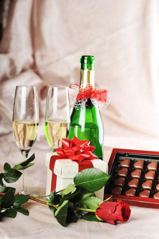 champagne cioccolatini cuore regalo san valentino