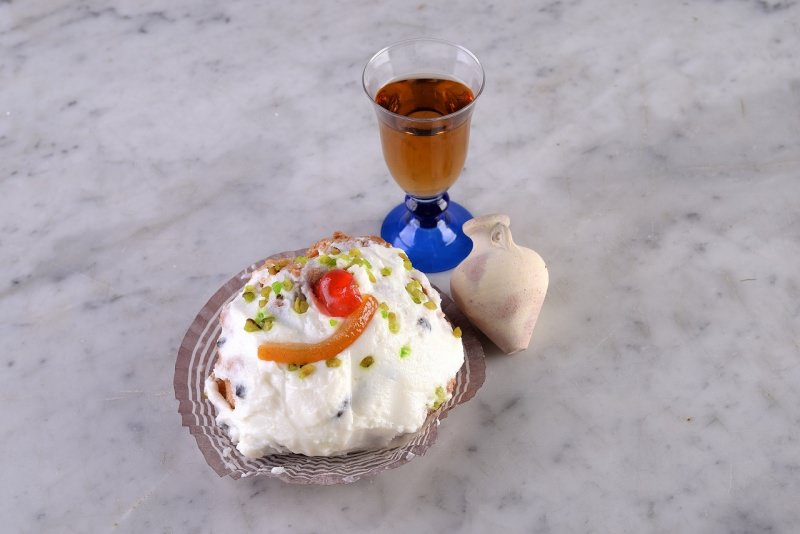 sfincia di san giuseppe dolce tipico siciliano anfora bicchierino liquore