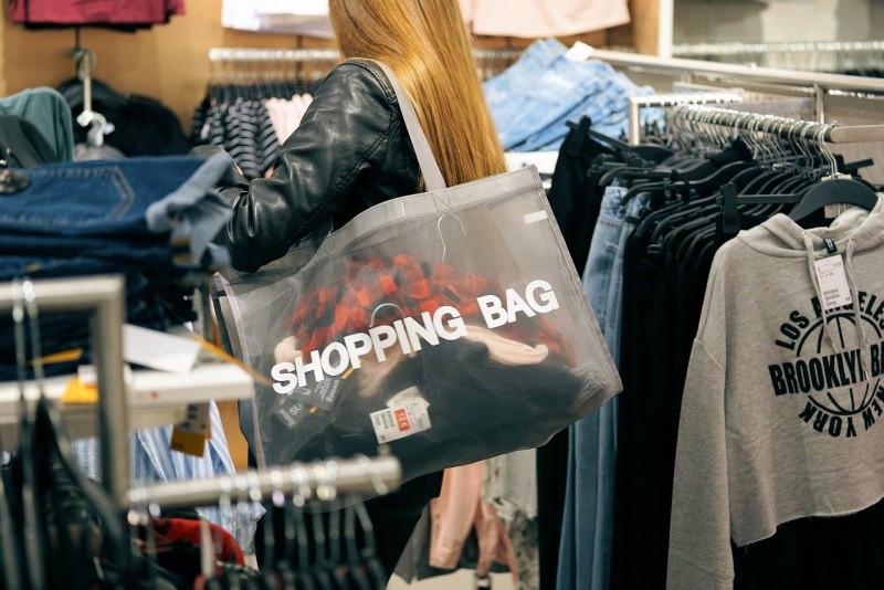 saldi estivi shopping sconti donna abbigliamento