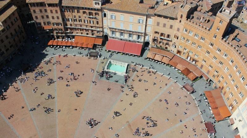 weekend romantico in Toscana Siena Piazza del Campo
