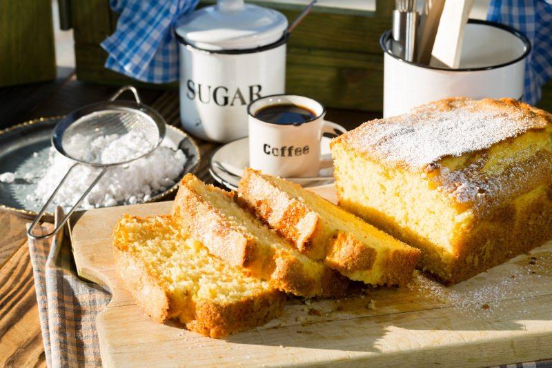 dolce soffice plum cake tazzina caffe zucchero colazione