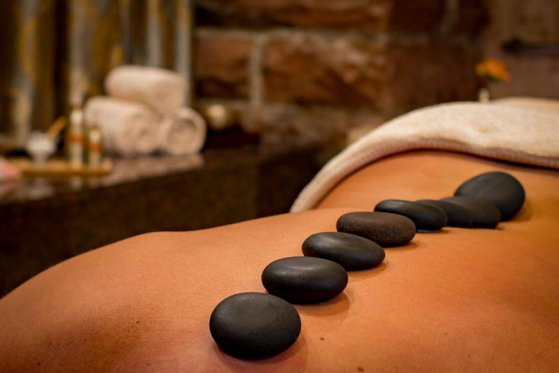 stone massage benessere