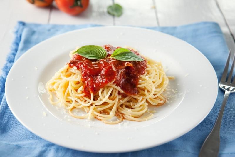 primo piatto spaghetti sugo pomodoro basilico pastasciutta