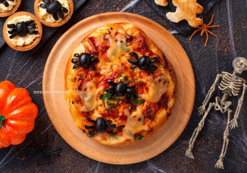 spider pizza halloween ragni scheletro ricetta