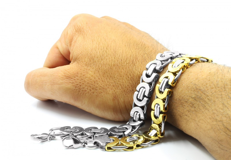 come Scegliere i bracciali da uomo oro argento acciaio