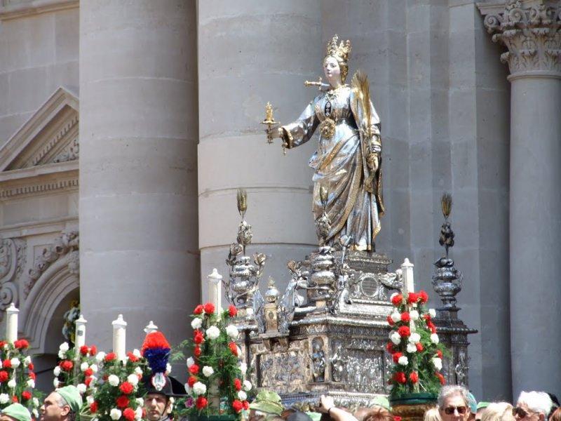 Santa Lucia Siracusa processione