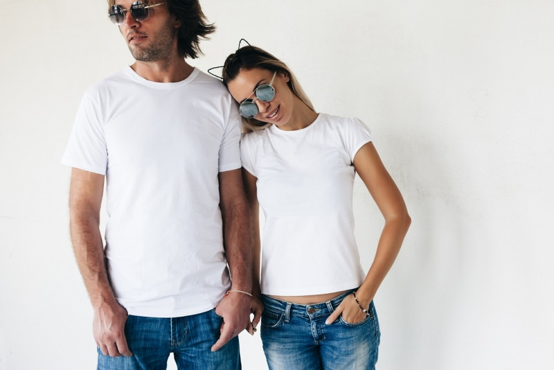 uomo donna modelli jeans denimt-shiert bianca occhiali da sole
