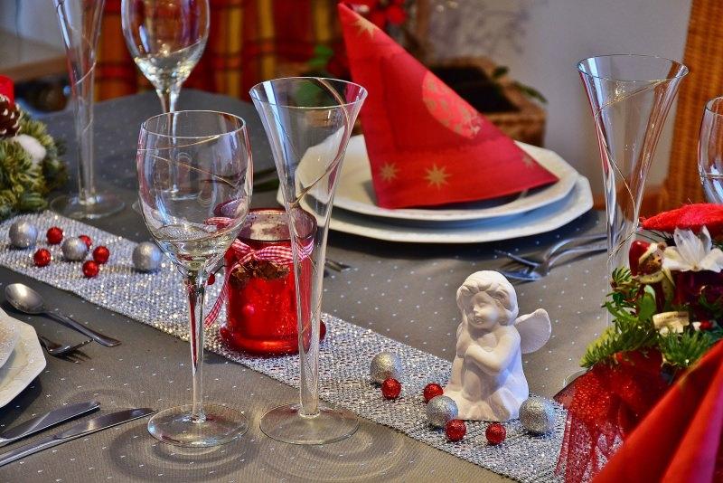 tavola di natale rosso