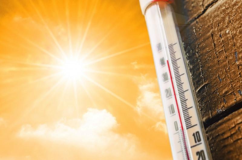 termometro sole concetto caldo temperature alte