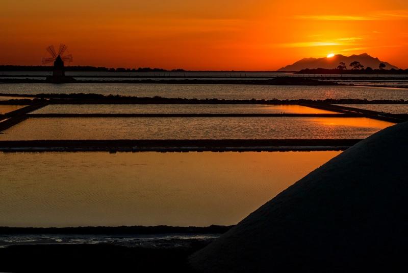 tramonto saline di Trapani mare