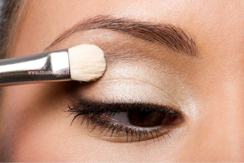 makeup occhi ombretto perlato sfumato interno occhio