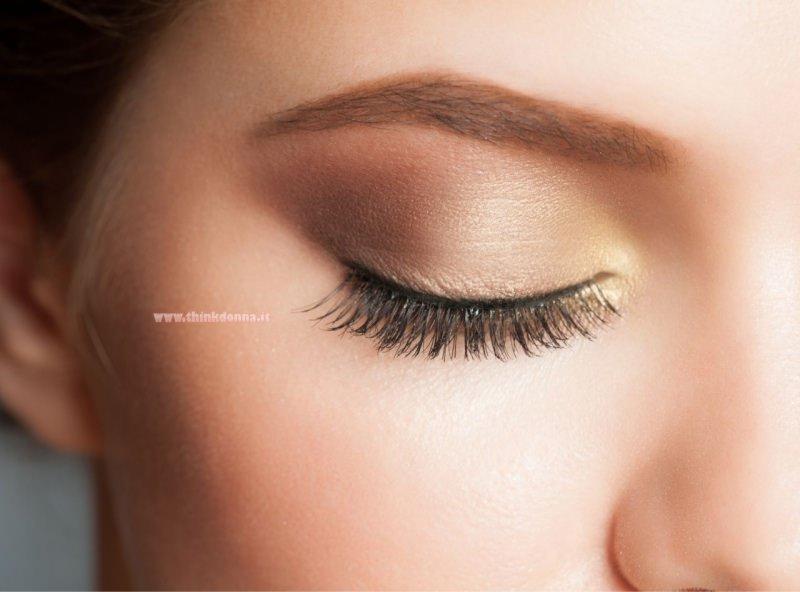 trucco makeup occhi kajal matita nera contorno occhi piccoli